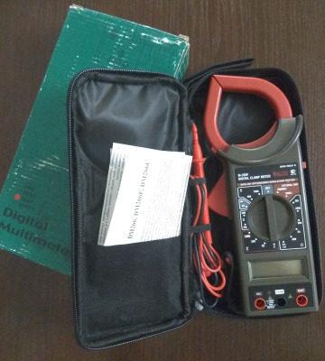 Цифровой мультиметр (токоизмерительные клещи)